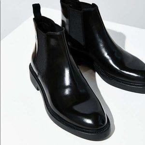 Vagabond Alex Chelsea boots black polished leather